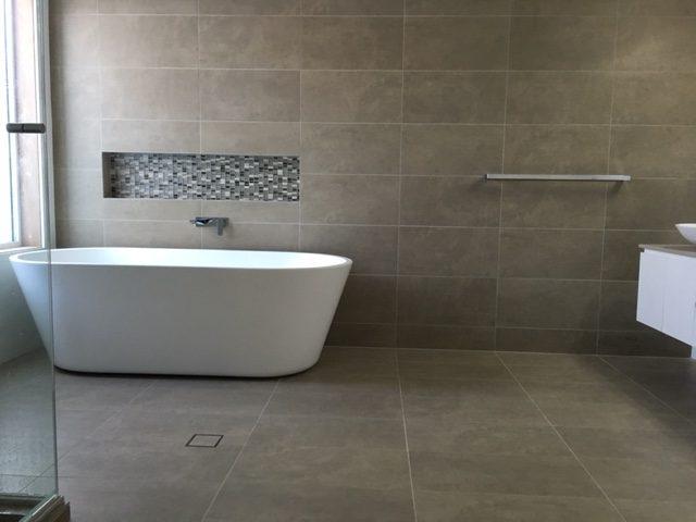 Difference Between Porcelain Ceramic Tile Master Bathrooms - Porcelain or ceramic tile for bathroom floor