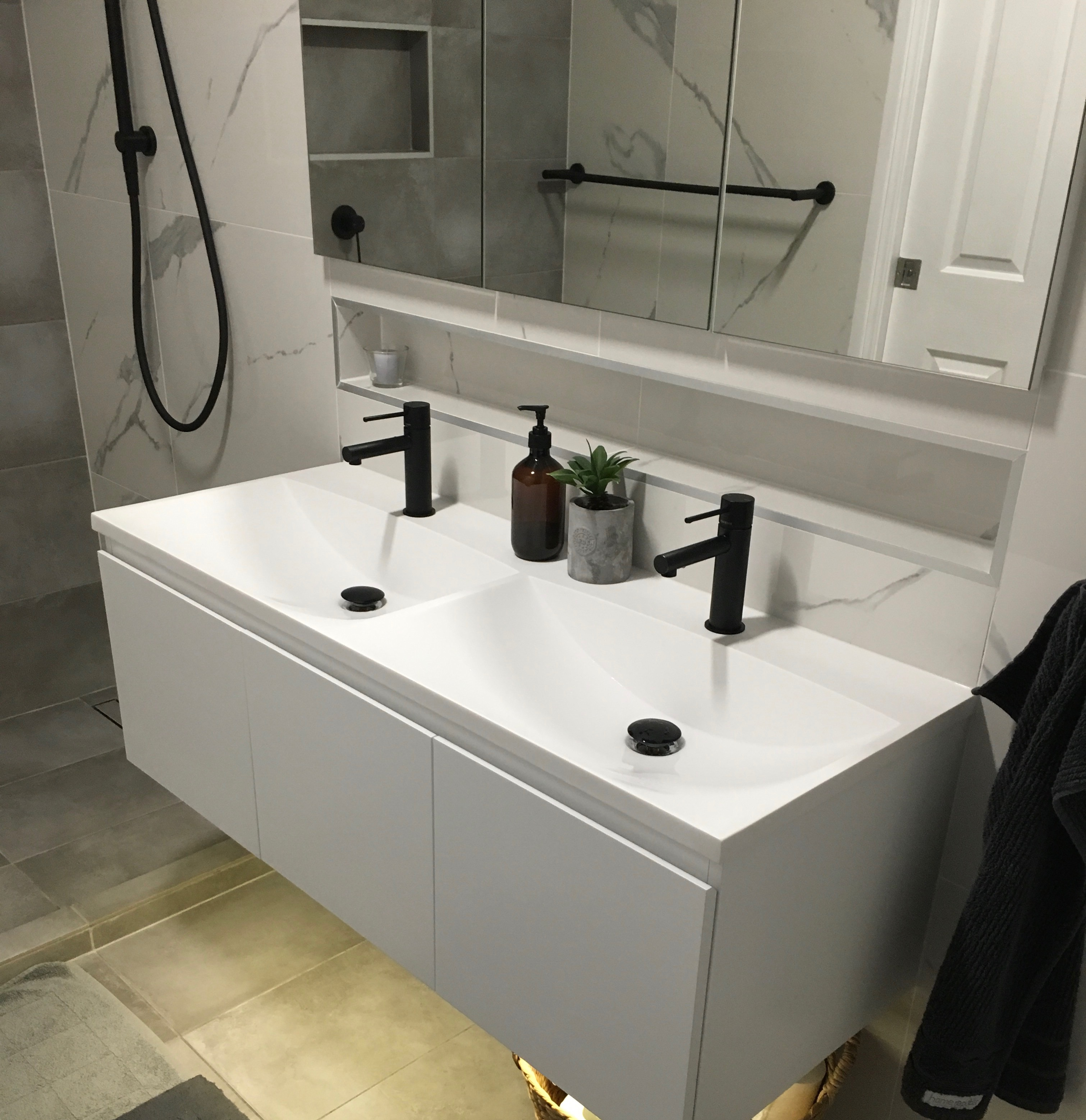 How To Create A Clutter Free Bathroom