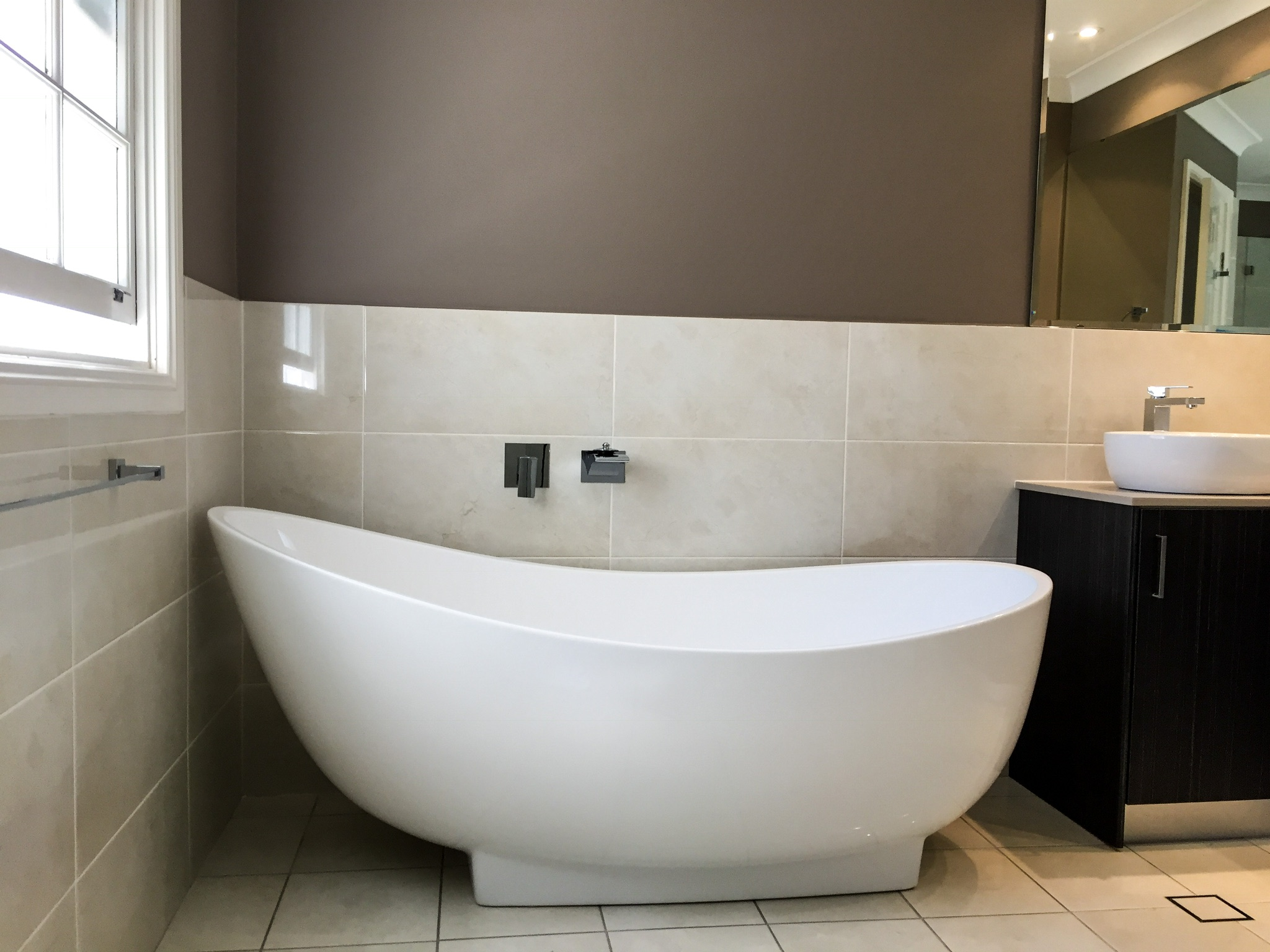 How to Renovate your Bathroom on a Budget – Master Bathrooms ...